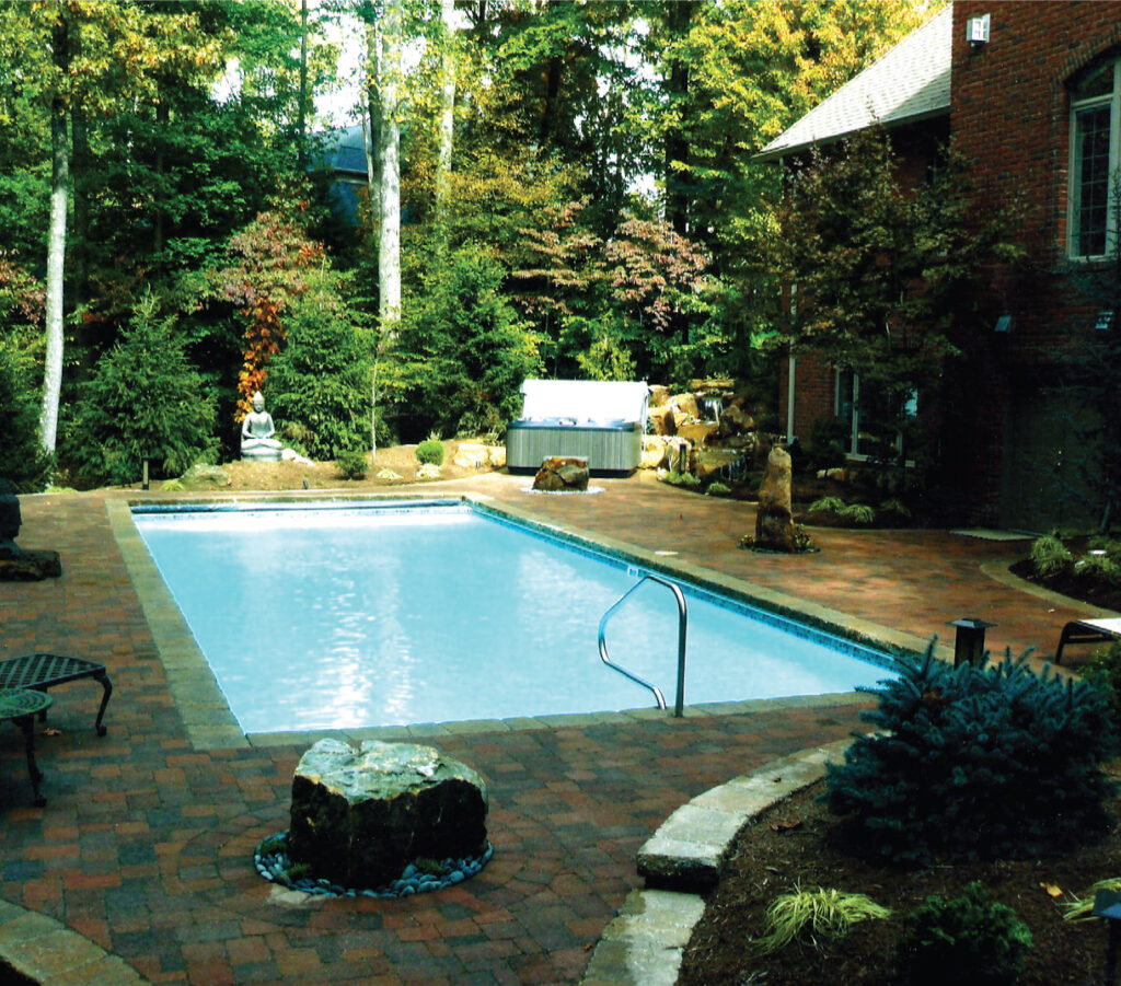 Parker Pools - Beautiful Backyard Pool